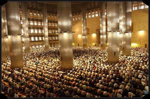 masjid-plein
